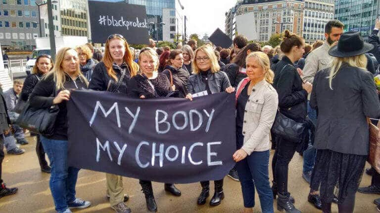 Irlande/Pologne – L'accès et le droit à l'avortement sous attaques