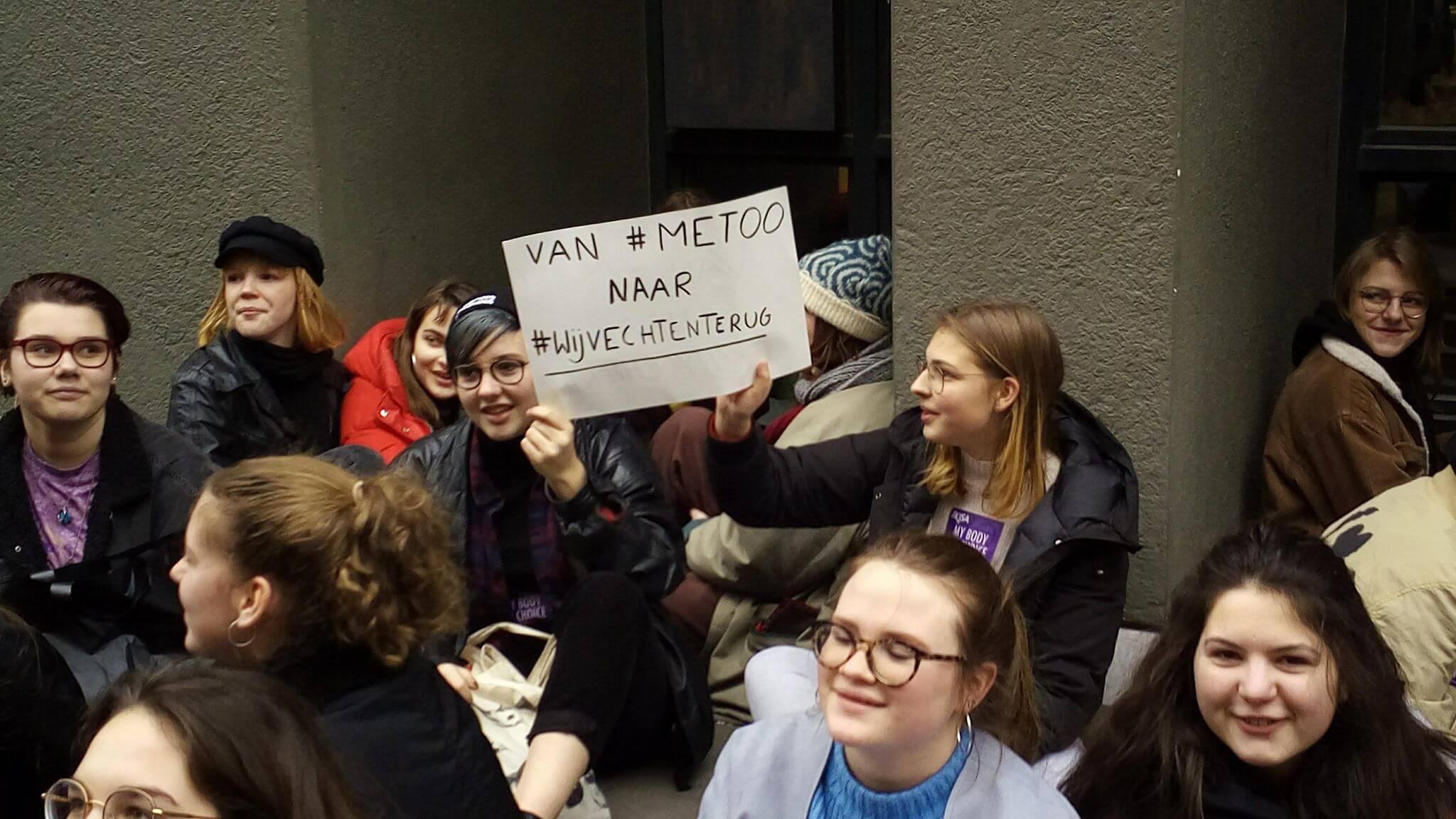 Des élèves du secondaire en action contre le sexisme à Gand : ''Mon corps, mon choix''!
