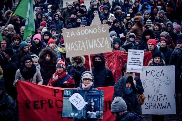 Pologne – Luttons pour des droits reproductifs complets !