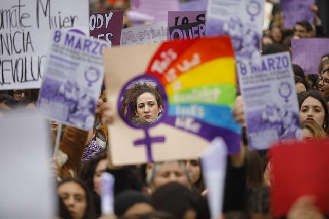 Les syndicats soutiennent la grève à l'occasion de la Journée internationale des femmes